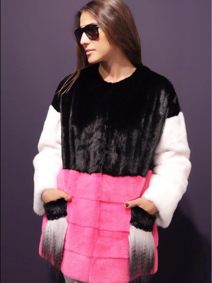 Короткая шуба из норки с накладными карманами из яка розовый низ